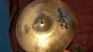 Selling 2 crash and 1 ride cymbal