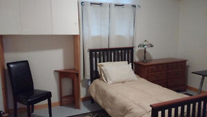 Orillia - Room to rent in self contained apartment