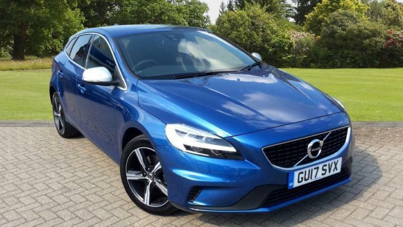 2017 volvo v40 t2 122 r design nav plus wit manual petrol hatchback in blackburn lancashire. Black Bedroom Furniture Sets. Home Design Ideas