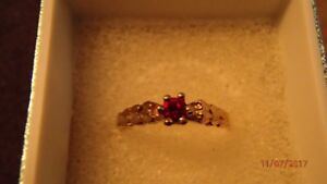 10K gold ruby/Or rubis *Dernier/Last Chance!*