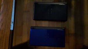 2 Nintendo DS lite, 16 games, and two carrying cases