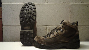 MEN`S HIKING BOOTS