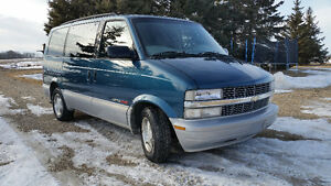 2000 Chevrolet Astro AWD Low kms