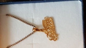 Brand  New Gold #1 Princess necklace  With Gift Box.