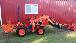 Kubota B6001 Tractor, with tiller and mower