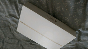 Ipad Air 2- 16 GB- Gold- Still in box