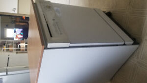 VERY CLEAN!! PORTABLE DISHWASHER