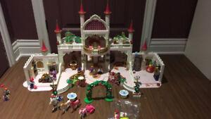 Château playmobil avec 2 chambres supplémentaires
