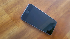IPhone 5s 16gb with lifeproof case