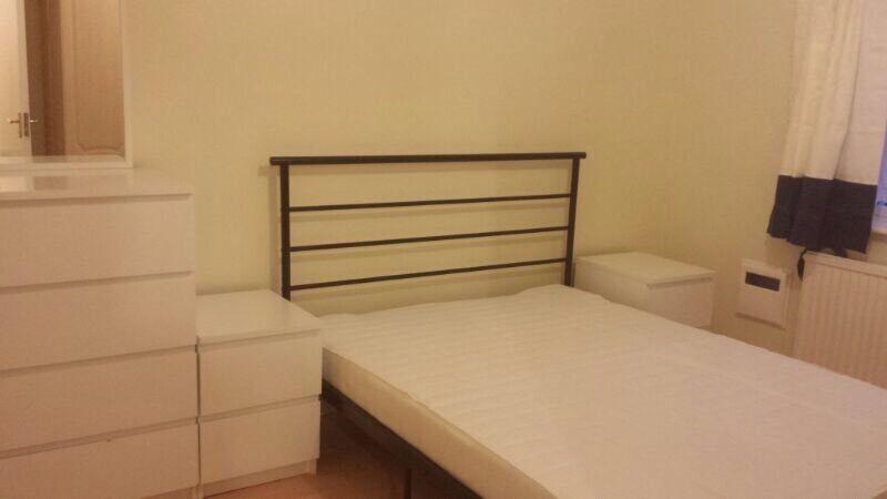 One bedroom flat first floor in Hounslow West