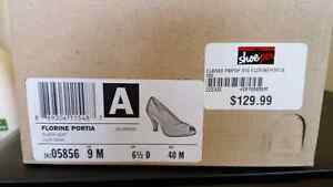 *** NEW LOWER PRICE-CLARKS BLACK PUMPS SIZE 9M ONLY WORN ONCE! Kitchener / Waterloo Kitchener Area image 3