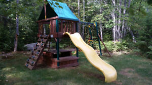High Quality Rainbow Play Systems Swing Set and Play Structure