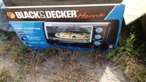 BLACK AND DECKER TOASTER OVEN NEW IN BOX
