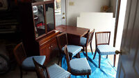 ***Mahogany Vaneer Dining room set***