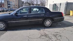 2009 Lincoln Town Car Sedan