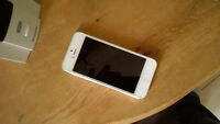 IPhone 5, Excellent Condition!