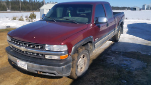 2000 chevrolet silverado 1500 4x4 2000$ OBO NEED GONE!!!