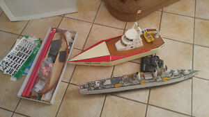 TWO REMOTE CONTROL BOATS JUST NEEDS A LITTLE TLC