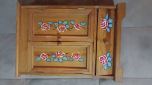 Hand Painted Beautiful Wooden Jewellery Case