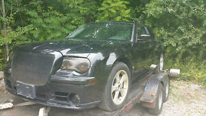 2006 Chrysler 300 Srt-8 Parting out
