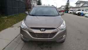 *PRICE REDUCED* 2013 Hyundai Tucson AWD heated seats