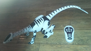 ROBOT DINOSAUR WITH ROMOTE $10 FIRM