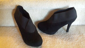 Ankle Booties Size 8 London Ontario image 1