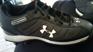 football cleats excellent condition size 8.5 mens