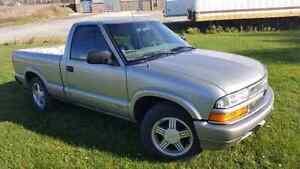 1999 chevy s10  2.2L London Ontario image 1