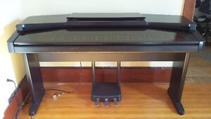 Yamaha Clavinova Electric Piano plus bench and quilted cover Kingston Kingston Area image 2