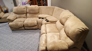 Sectional with power recliners