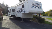2005 Montana RL 5th Wheel