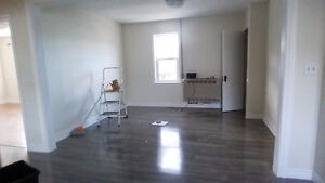 2 bedroom upstairs apartment for rent Cornwall Ontario image 4