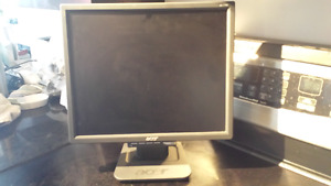Computer monitor  acer AL1916W(moving sale)