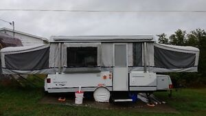 Coleman Tent Trailer for sale - Tente-Roulotte Coleman à vendre