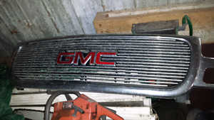 2000 GMC Grill with Insert