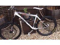 Trek 8500 Mountain Bike