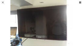 "Stunning 40"" Samsung Full HD TV 1080p Rose/Black Model with wall bracket"