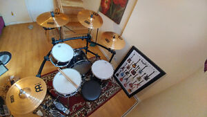 4 piece Acoustic Drums set with cymbals and others