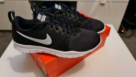 Nike Flex Essential TR Womans Size 4.5