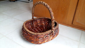 Beautiful Wicker Basket - Large