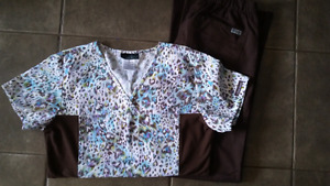 brown and patterned scrub set