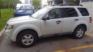2009 Ford Escape XLT SUV, Crossover LEATHER ROOF AWD 4995.00.00
