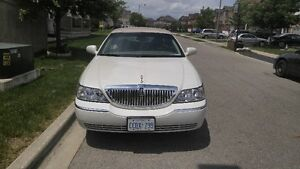 2004 Lincoln Town Car ULTIMATE EDITION Sedan