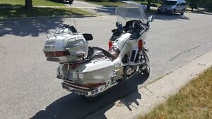 1984 Yamaha XVZ12DL Venture Royal ( loaded, Pearl Piant ) Kitchener / Waterloo Kitchener Area image 3