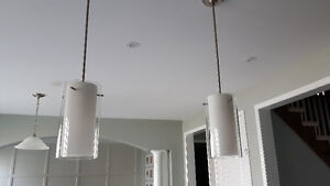 2 Large Pendant Lights in perfect condition