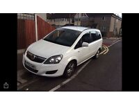 Exclusive Vauxhall zafira 2013 low mileage