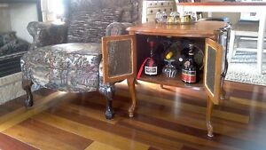Meuble cabinet buffet bar antique ,table console d'appoint