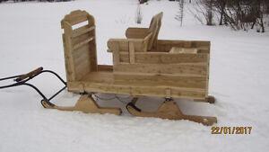 Superbe sleigh pour cheval miniature (neuve)