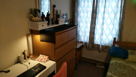 Boutique Double room for rent going immediately